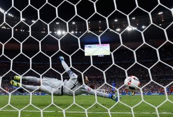 命運を分けた守護神の一歩 元日本代表GKが語る、ポルトガルのEURO優勝決定弾が生まれた理由