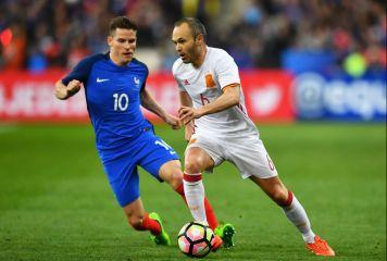 勝敗分けたビデオ判定、スペインがフランスに2-0勝利 英メディア「ビデオテクノロジーが間違いを正した」