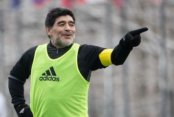 「アニマルだ!」 マラドーナがC・ロナウドを絶賛 「彼がアルゼンチン人だったら…」