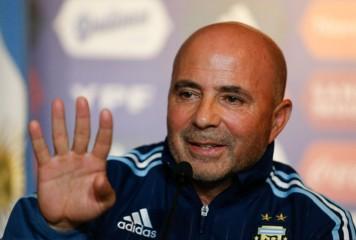 アルゼンチン代表新監督、メッシの指導を心待ち 「代表にいることを幸せに思ってもらいたい」