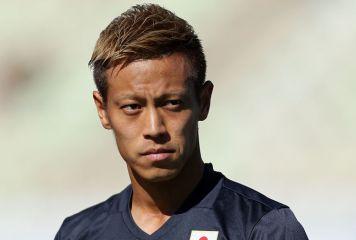 本田、クラブW杯出場のメキシコ名門パチューカへ電撃移籍 契約書にサインする動画も公開