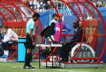 FIFA会長、W杯でのVAR採用に前向き発言 「ここまでは成功している」