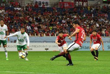 PK判定にシャペコエンセが5分猛抗議、異例の10分延長 浦和が大会初タイトル獲得