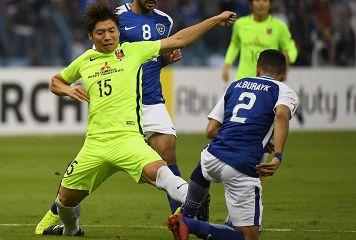 """アル・ヒラルの""""肉弾戦""""に耐えた浦和 主審の判定基準に苦しむも球際で競り勝つ"""