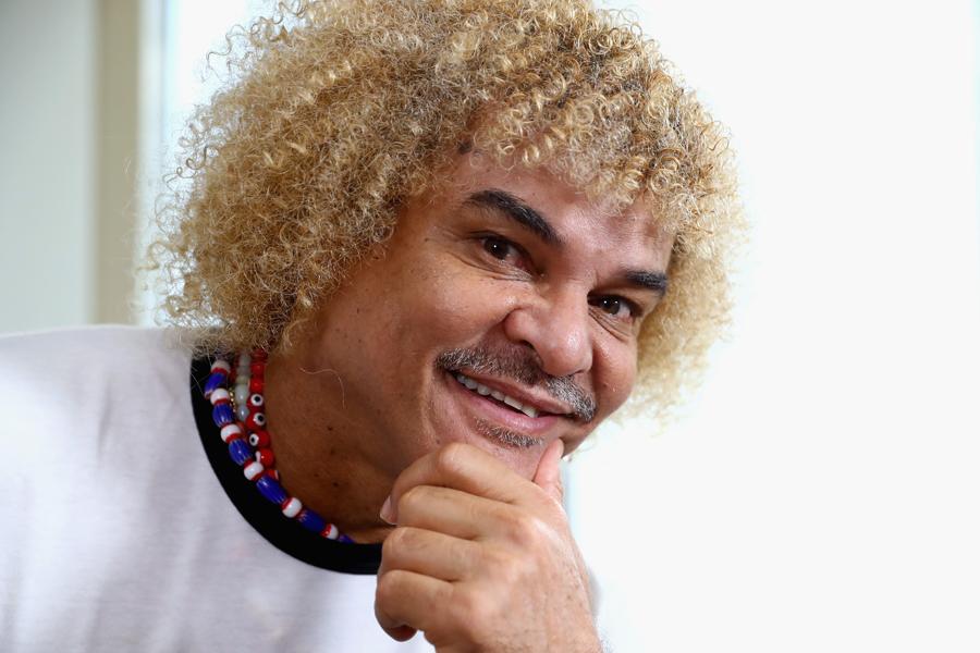 元コロンビア代表MFカルロス・バルデラマ氏は、ロシアW杯で同国が優勝した場合、自身の代名詞と言える自慢の髪を切ることを約束した【写真:Getty Images】