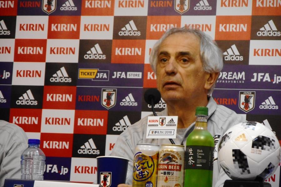 日本代表を率いるハリルホジッチ監督【写真:Football ZONE web】