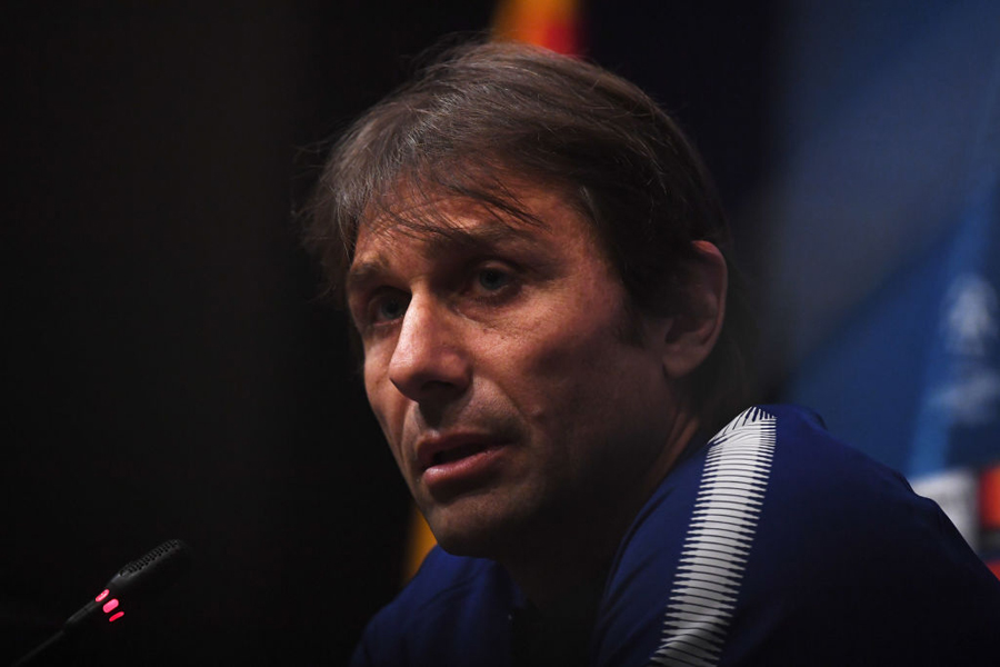 PSGはチェルシーのコンテ監督に来季指揮官の打診をした【写真:Getty Images】