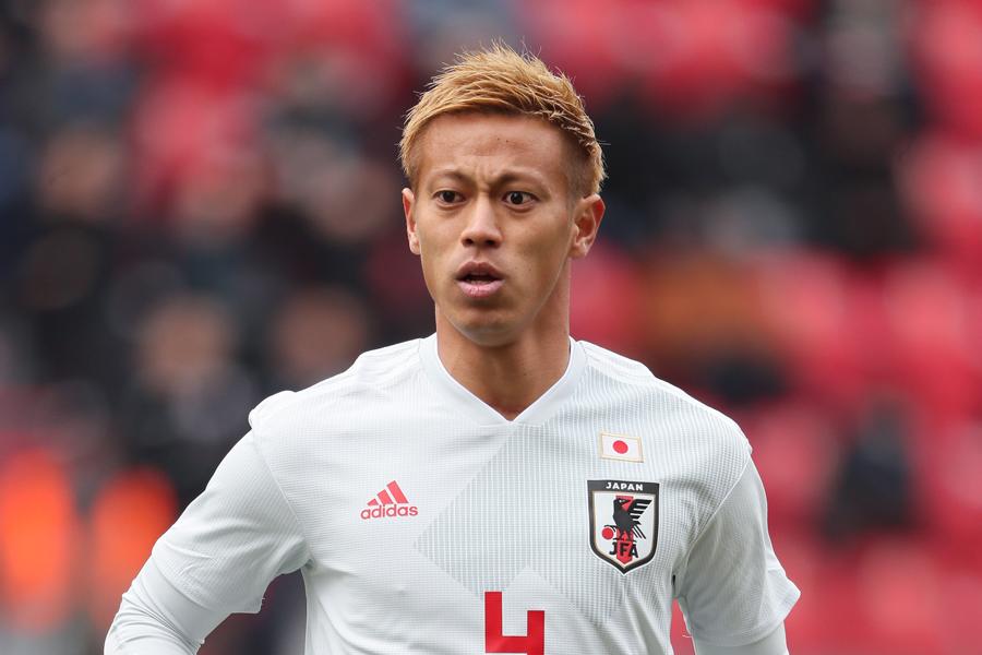 本田は、現代表チームの弱点を指摘し、その克服を目指していると語った【写真:Getty Images】