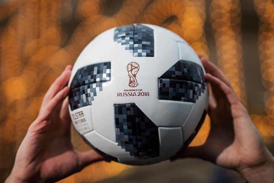 ロシアW杯の公式試合球「テルスター18」【写真:Getty Images】
