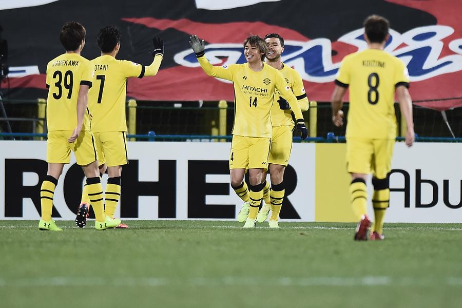 2ゴールを挙げる活躍を見せたFW伊東純也【写真:Getty Images】