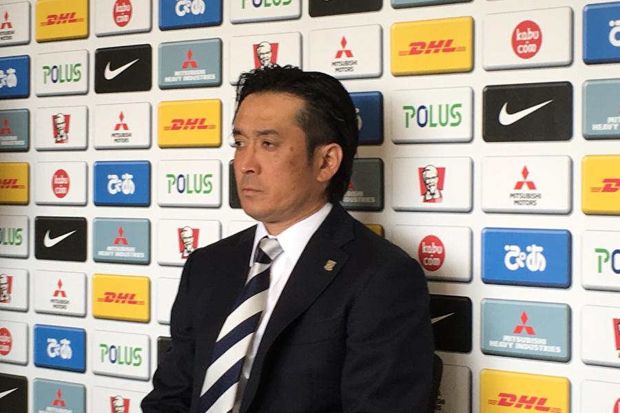 大槻毅暫定監督【写真:Football ZONE web】