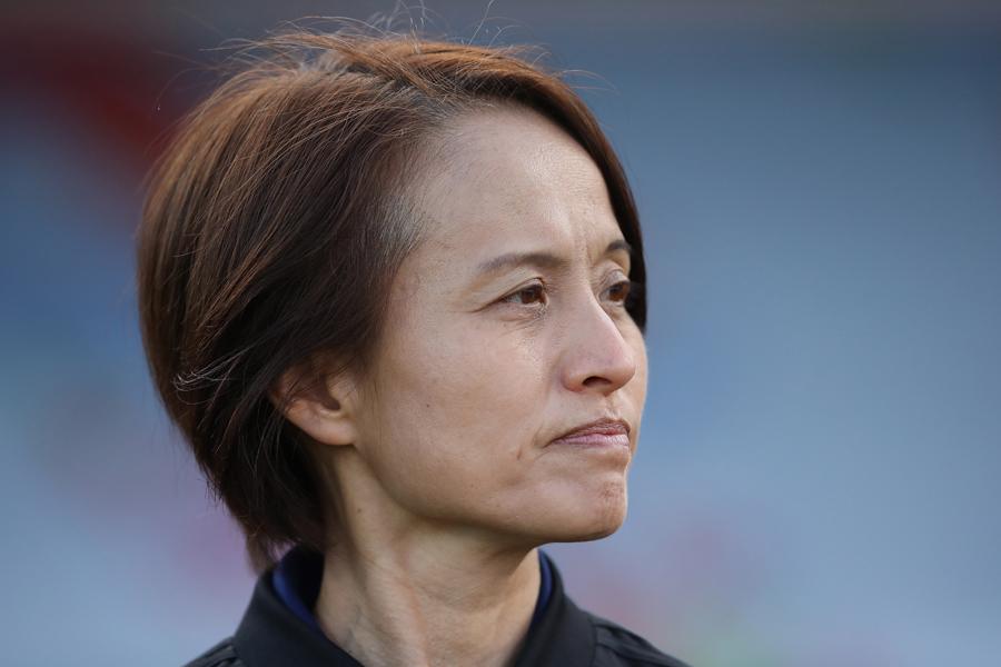 なでしこジャパンを率いる高倉麻子監督【写真:Getty Images】