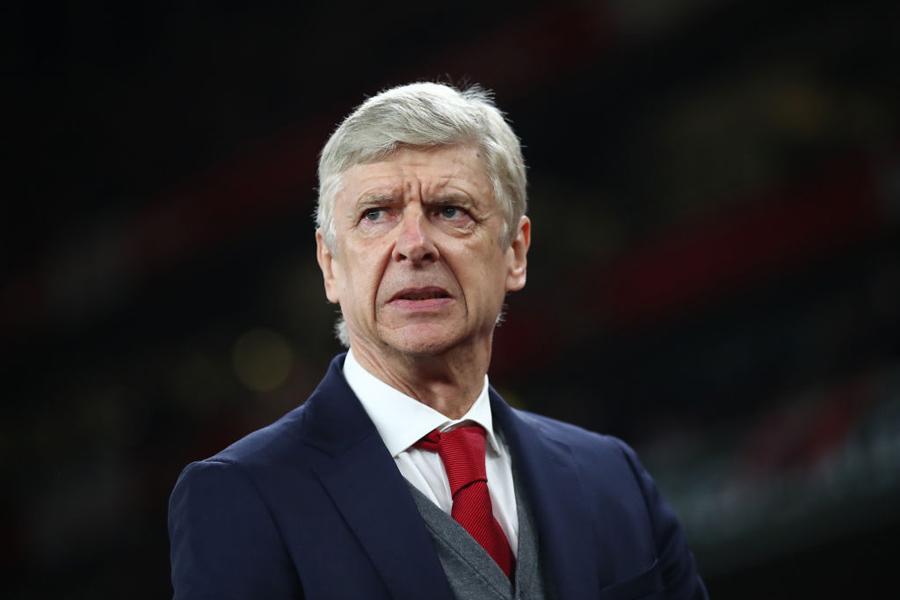 PSGがアーセナルを今季限りで退任するベンゲル監督を、新たに強化責任者として招聘する可能性が急浮上している【写真:Getty Images】