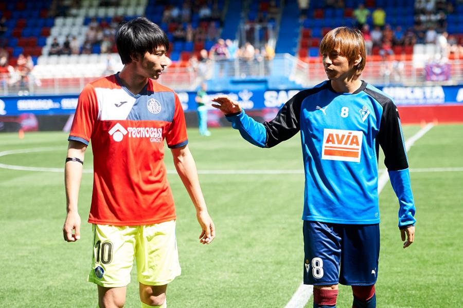 柴崎と乾の日本人対決はまたもお預けとなった【写真:Getty Images】