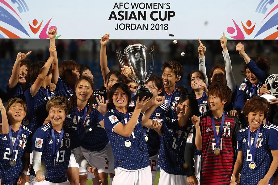 アジアの頂点に立った日本に、国内外のファンから称賛の声が届いている【写真:Getty Images】
