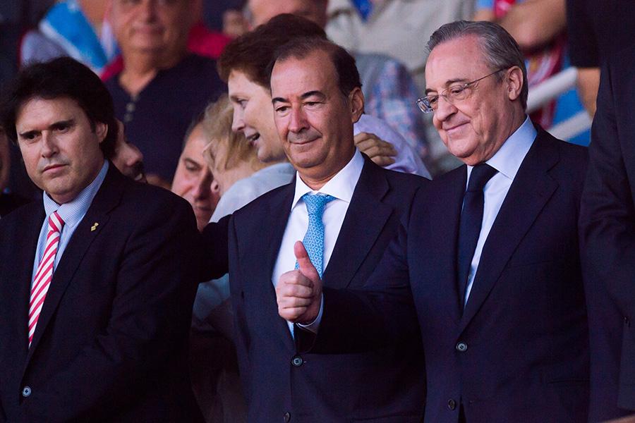 レアルのCL3連覇をサポーターに約束したペレス会長(右)【写真:Getty Images】