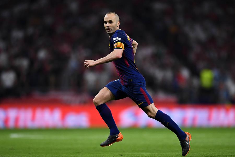 今季限りでバルセロナを退団し、中国リーグ移籍が濃厚のイニエスタ【写真:Getty Images】