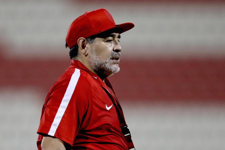 UAE2部のアル・フジャイラを率いるマラドーナ氏、1部昇格消滅で監督退任か【写真:Getty Images】