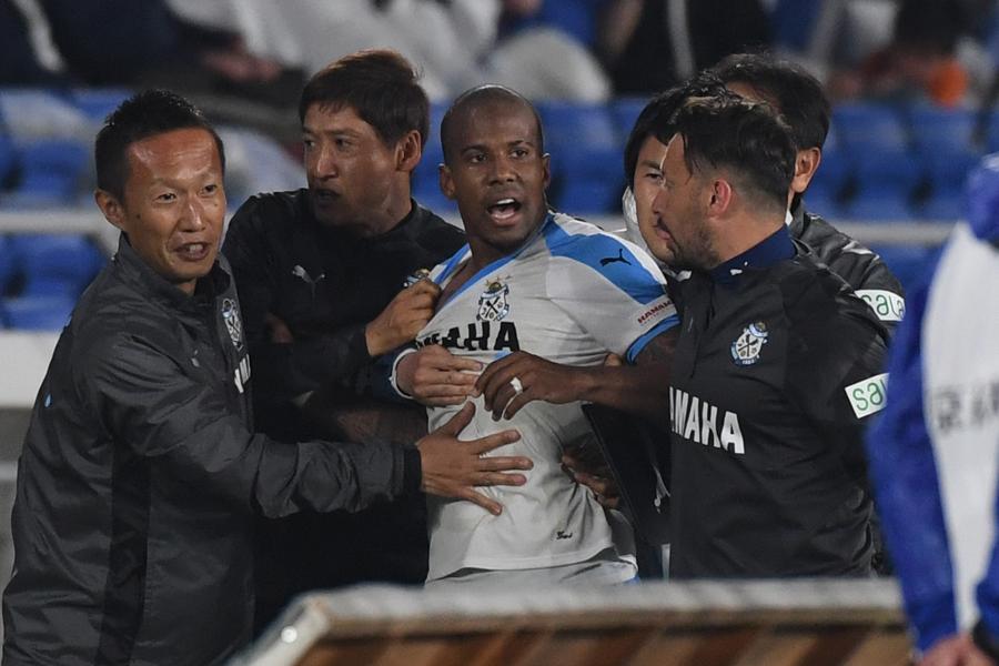 暴力行為の磐田DFギレルメ、6試合の出場停止が決定【写真:Getty Images】