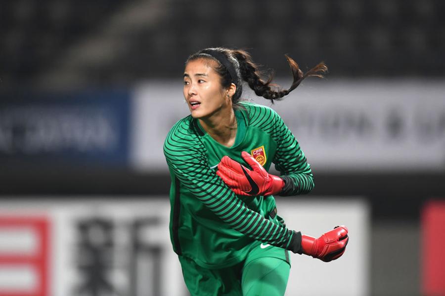 中国女子代表の美人GKをフランス紙が特集している【写真:Getty Images】