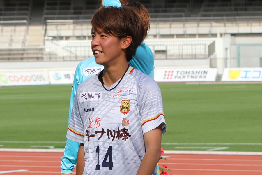 INAC神戸のFW京川は、通算100試合出場を達成した【写真:Football ZONE web】