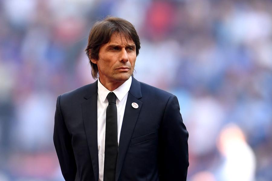 チェルシーのコンテ監督は、FA杯優勝果たしたが、選手の大幅入れ替えを示唆した【写真:Getty Images】