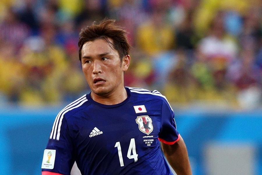 青山が右膝痛により日本代表から離脱することが決定した【写真:Getty Images】