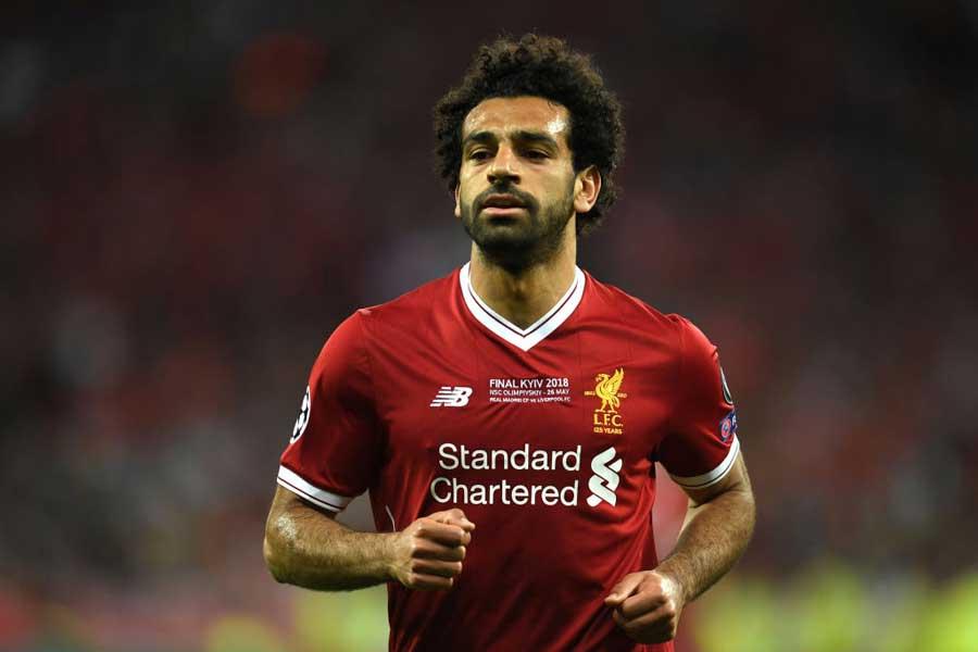 エジプトサッカー協会はサラーの怪我について「肩の靭帯捻挫」と発表した【写真:Getty Images】