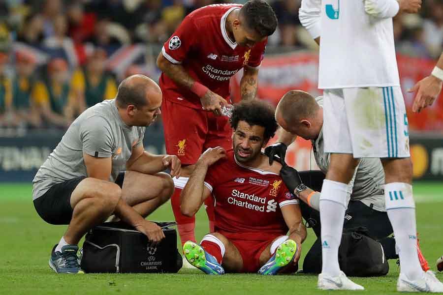 負傷中のサラーは、W杯初戦の出場は微妙も、ロシアに帯同するとエジプト協会が明言した【写真:AP】