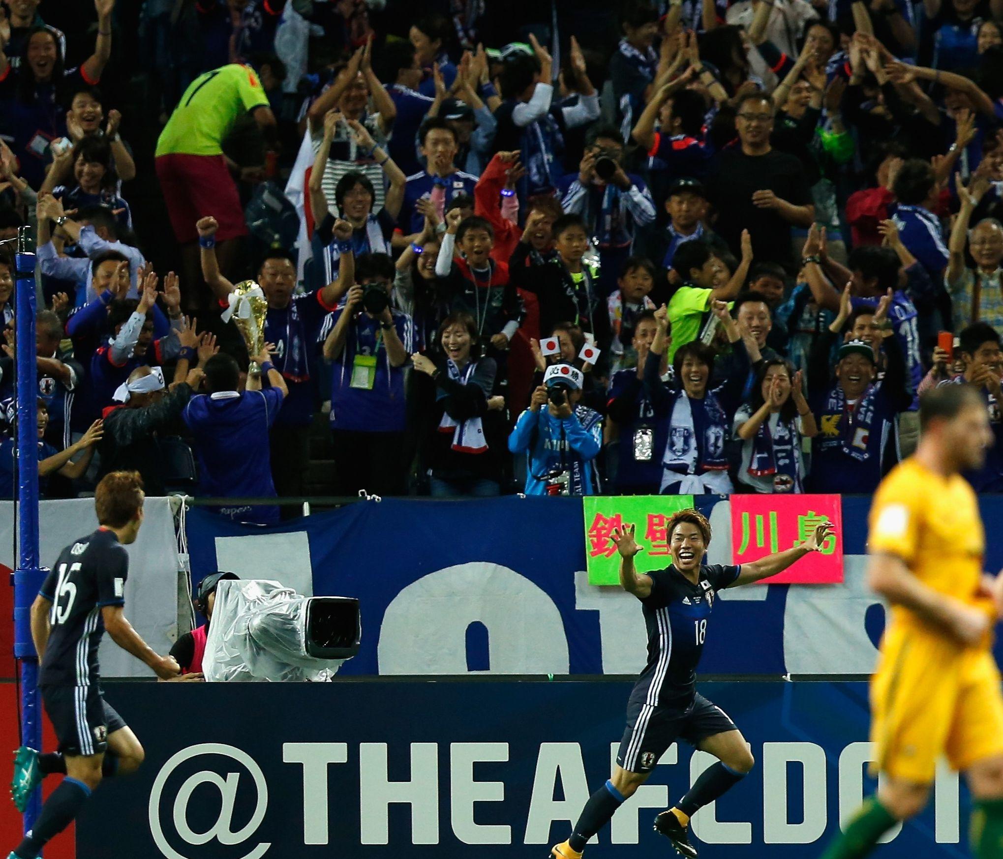 JFAは22日、2017年8月31日に行われたW杯アジア最終予選の日本対オーストラリア戦で、暴力行為を働いたファン2名に対する処分を発表した【写真:Getty Images】