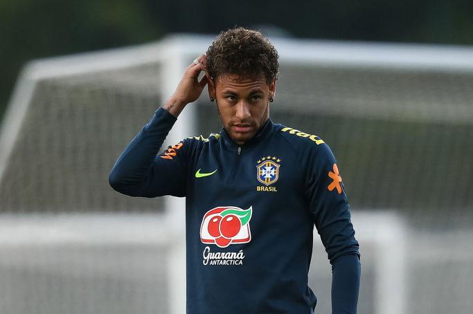 ブラジル代表のネイマール、足の状態には「まだ違和感はある」と不安を吐露した【写真:Getty Images】