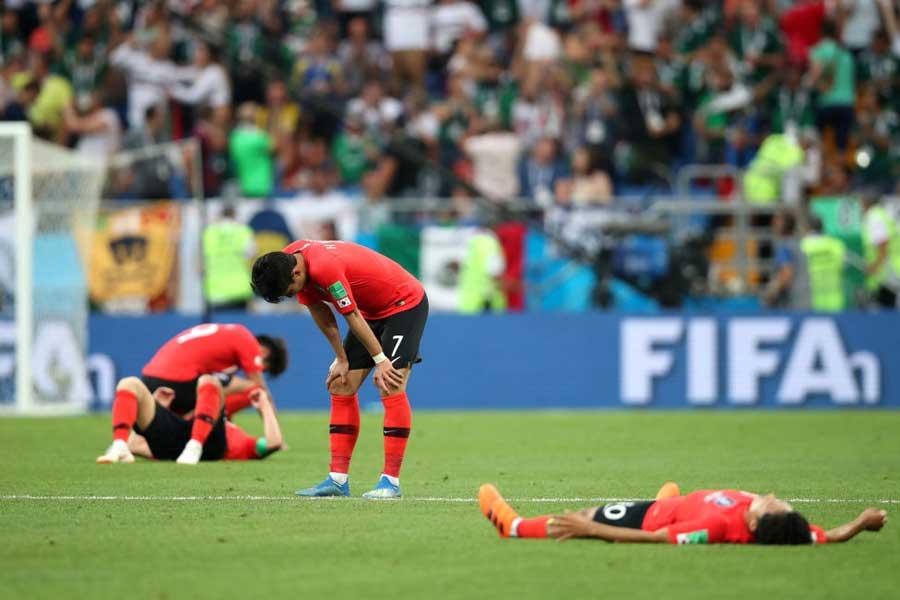 グループリーグ敗退危機に直面している韓国代表【写真:Getty Images】