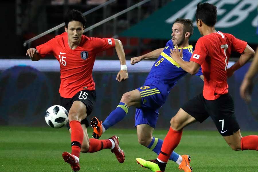 韓国代表が3バックシステム導入も、ボスニア・ヘルツェゴビナに3失点完敗【写真:AP】