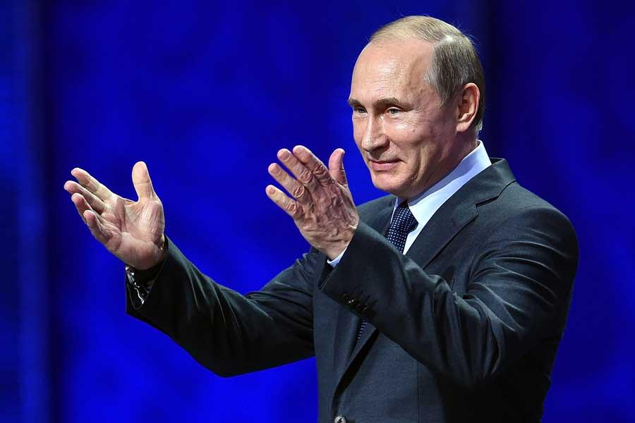 プーチン大統領はロシアW杯の優勝候補にスペインを挙げている【写真:Getty Images】