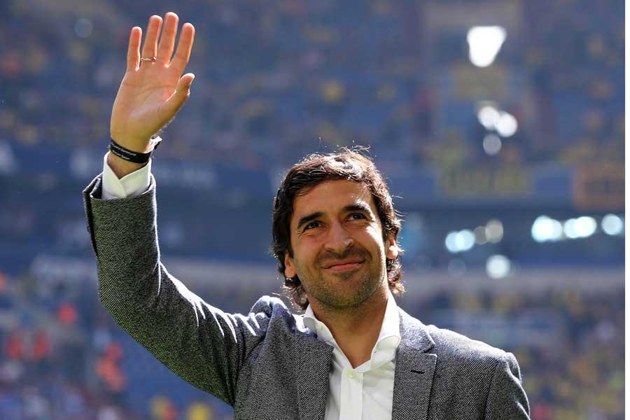 レアル次期監督候補のラウール、アーセナルOBとのチャリティーマッチで鮮やかなゴールをマーク【写真:Getty Images】