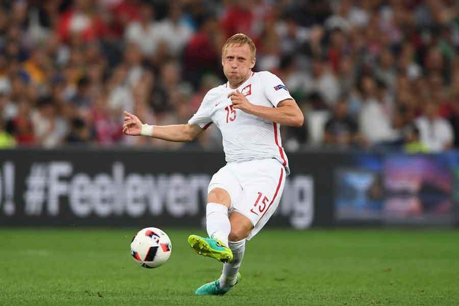 右肩を負傷しW杯出場が絶望的となったポーランド代表のグリク【写真:Getty Images】