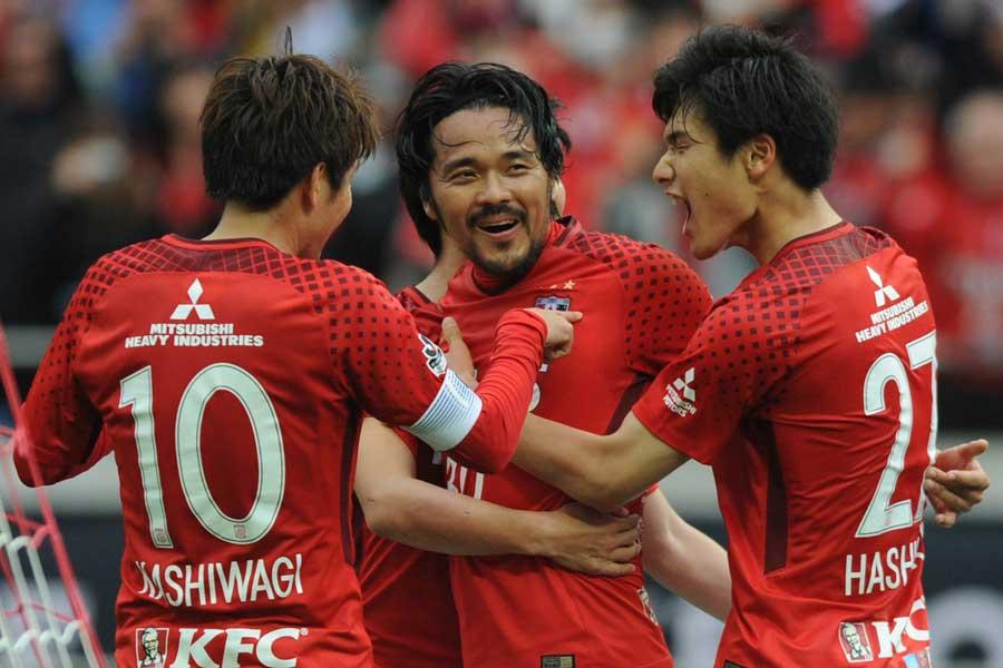 浦和レッズは、先制を許すも、興梠がCKから技ありの同点弾でドローに持ち込んだ【写真:Getty Images】