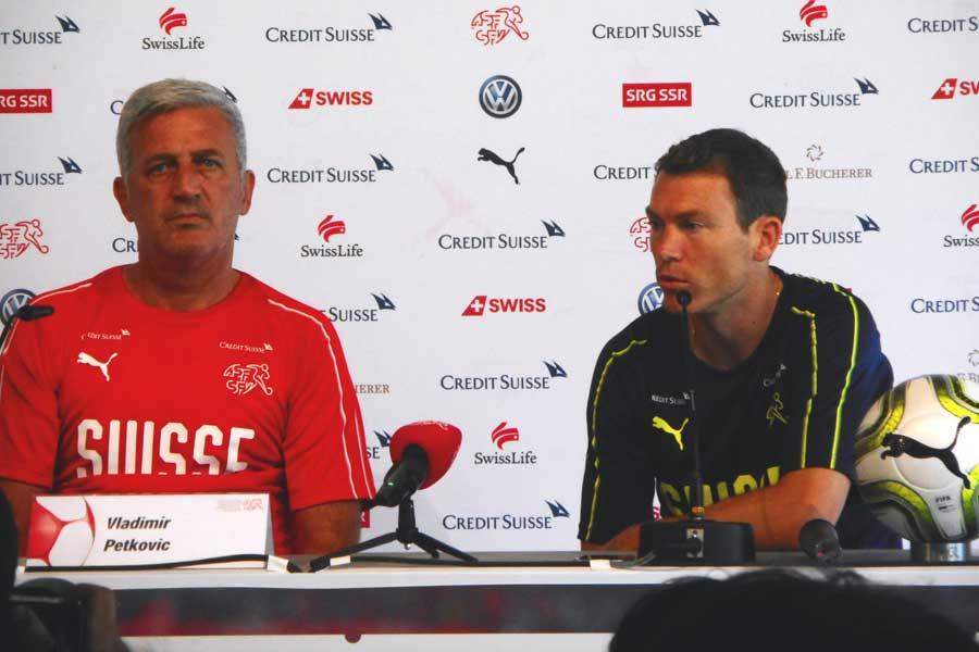 前日会見にはキャプテンのリヒトシュタイナーとペトコヴィッチ監督が出席【写真:Football ZONE web】