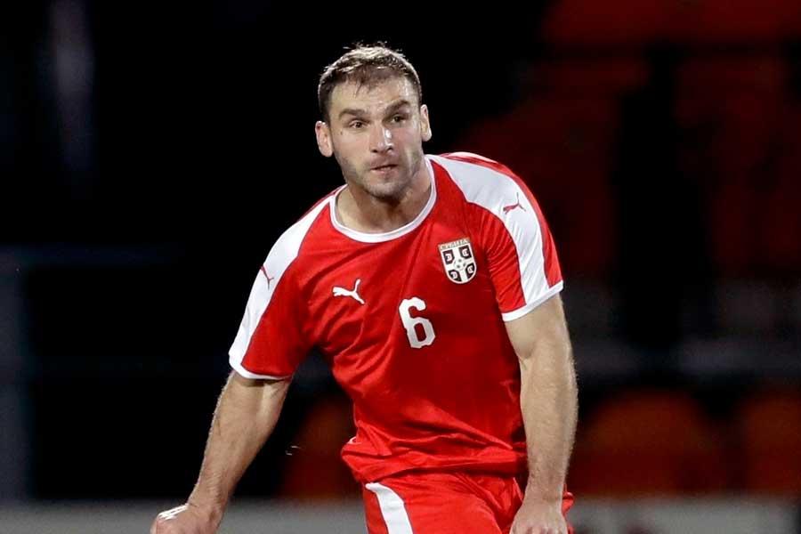 セルビア代表DFイバノビッチが決めた、圧巻のゴールが話題を呼んでいる【写真:AP】