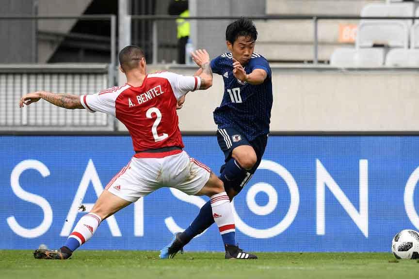 乾の2ゴール&香川の1ゴール、パラグアイのオウンゴールで4得点を決めた日本代表だが…【写真:Getty Images】
