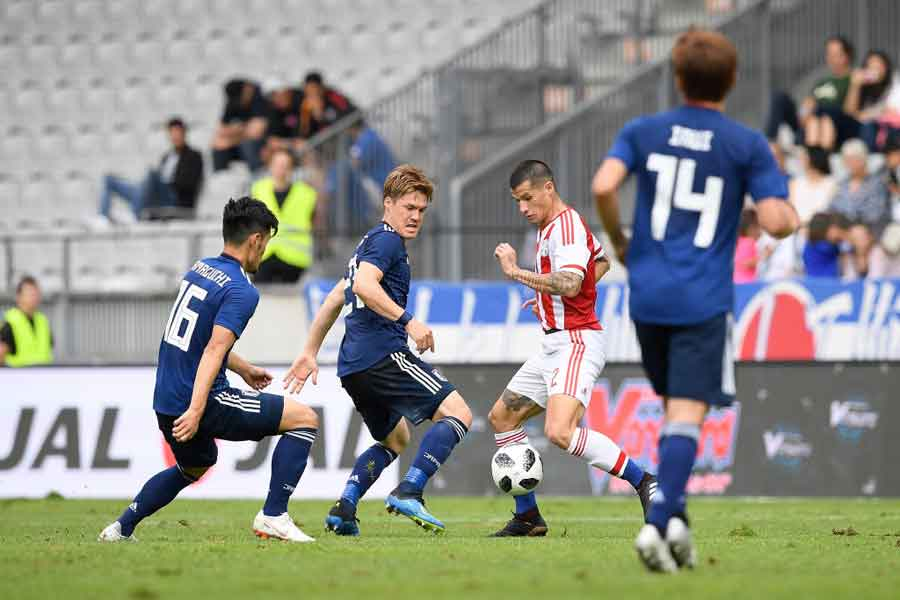 日本代表が、W杯に向けてパラグアイ戦の4ゴール以上に注目すべき変化とは?【写真:Getty Images】