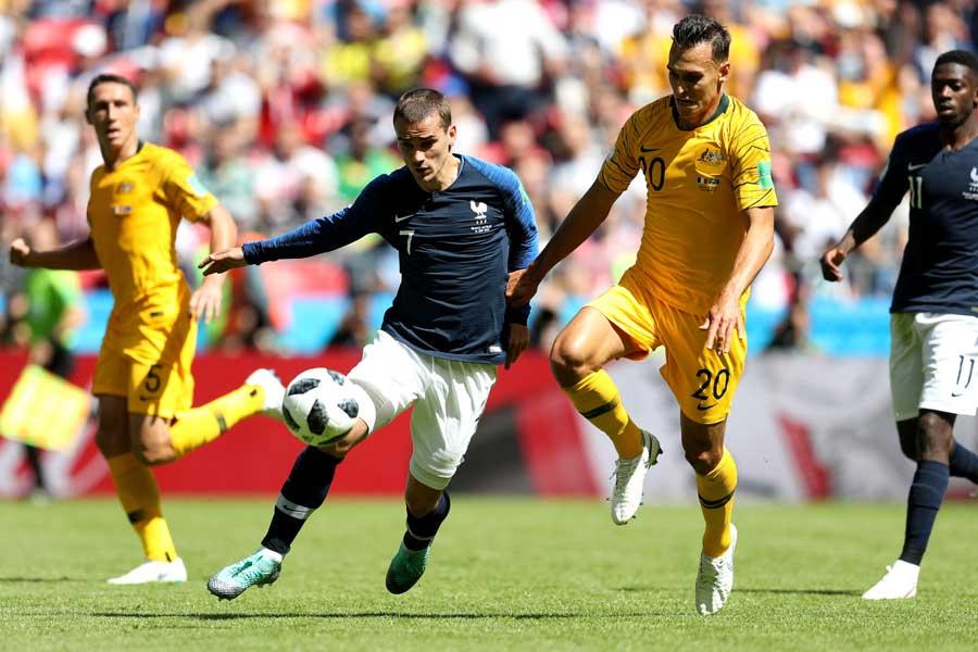 フランス対オーストラリアは0-0で後半へ【写真:Getty Images】