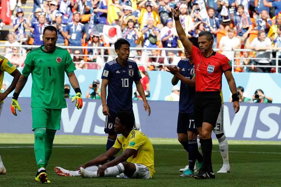 コロンビア代表MFサンチェスが前半6分で一発退場となった【写真:AP】