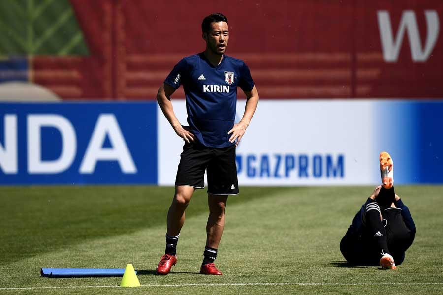 吉田は日本のセットプレーについて「自分次第」と語った【写真:Getty Images】
