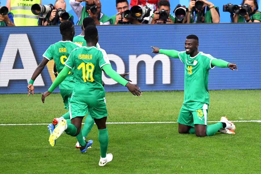 セネガルFWニアンの決勝ゴールでポーランドに2-1勝利【写真:Getty Images】