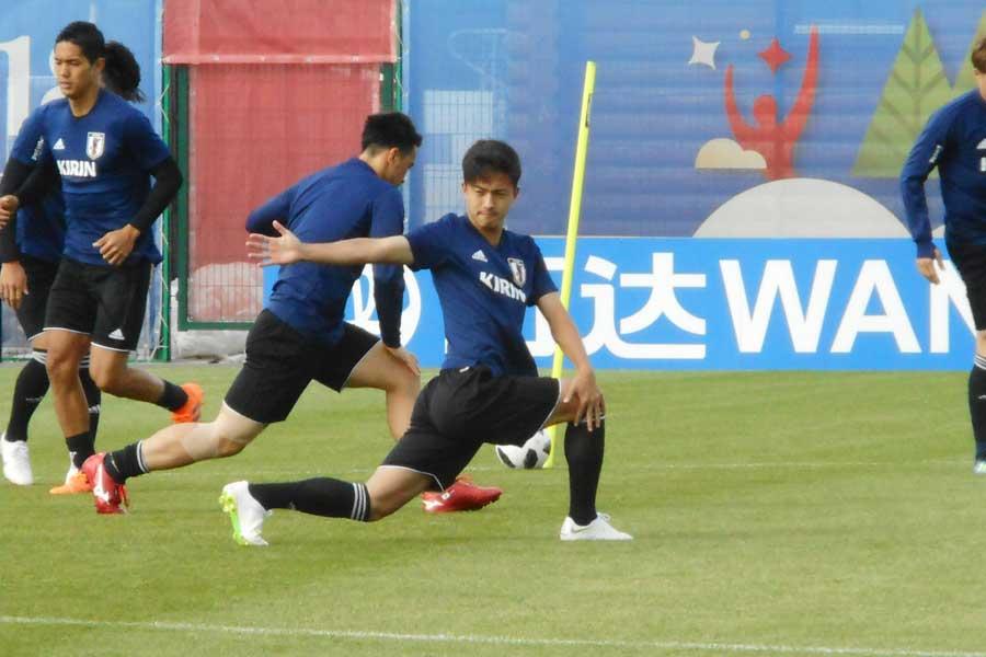 U-19日本代表で10番を背負う安部裕葵がA代表チームの練習に参加【写真:Football ZONE web】