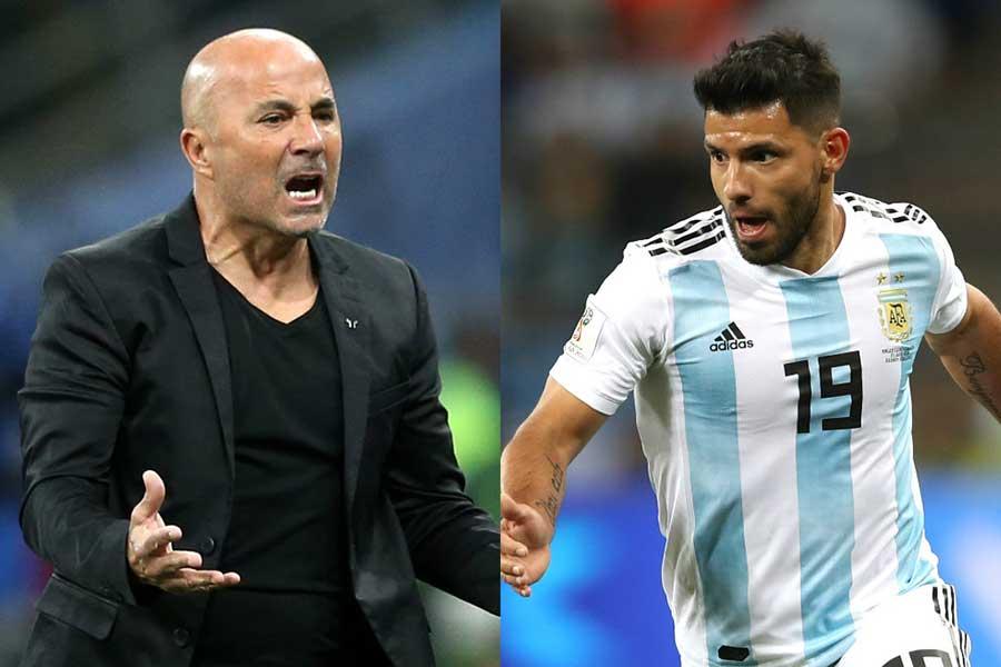 サンパオリ監督(左)の選手批判にアグエロが応酬するなど、アルゼンチン代表に不穏な空気が漂っている【写真:Getty Images】