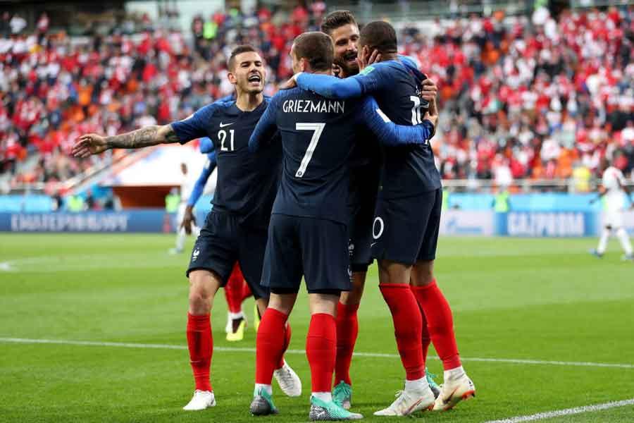 フランスが2連勝で決勝トーナメント進出を決めた【写真:Getty Images】