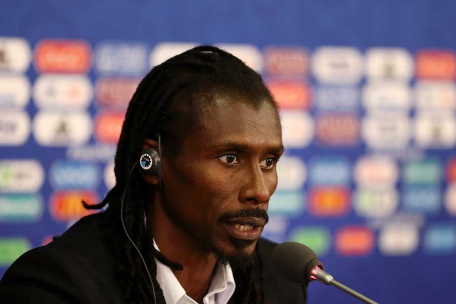 セネガル代表を率いるシセ監督【写真:Getty Images】