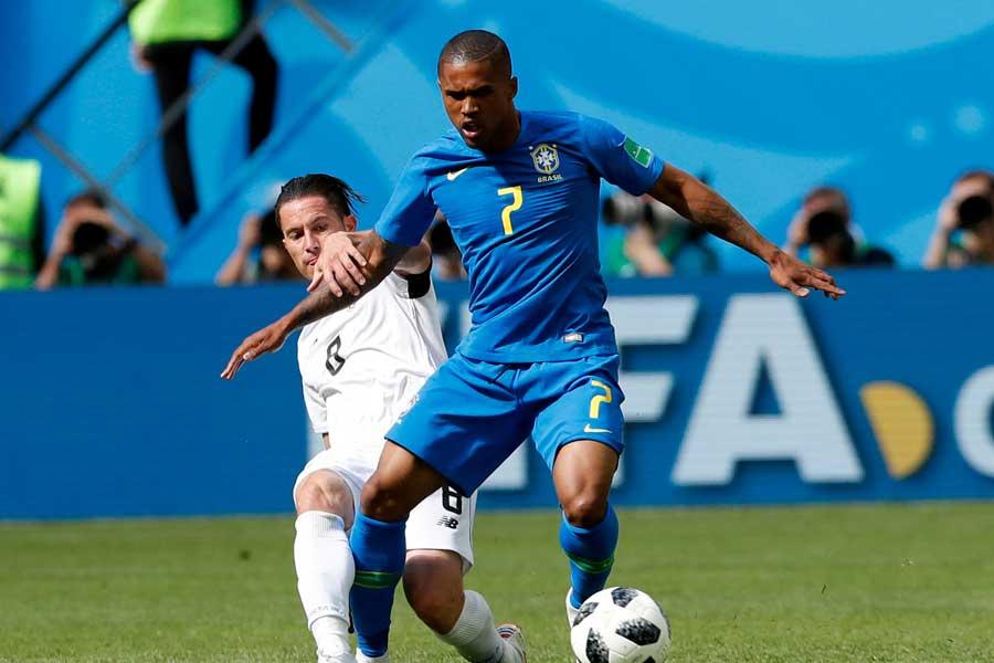 ブラジル代表ドウグラス・コスタが右太ももを負傷【写真:AP】